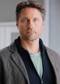 Dr. Nathan Riggs
